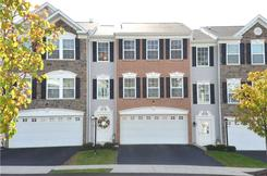 Grace Manor - Beautiful Colonial Style Townhouses in a Quiet, Wooded Area