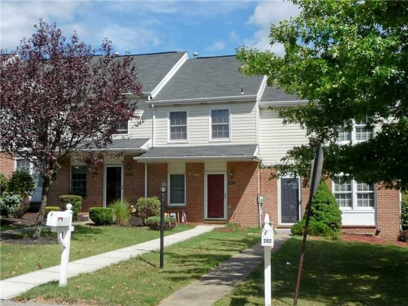 Newer Townhome with Level Entry