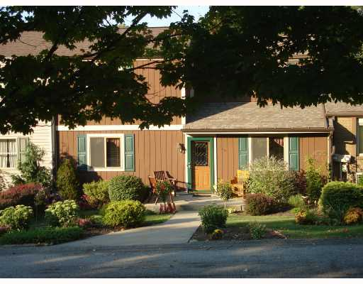 There are older, well maintained townhomes in this community too