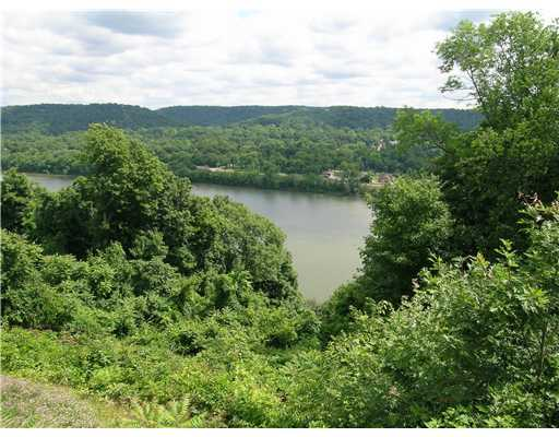 Amazing Views of the Ohio River from this Community