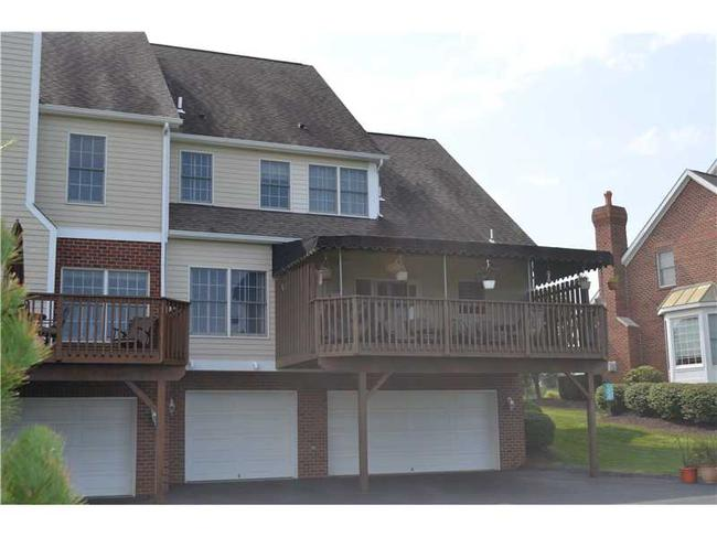 Hilltop Road Townhome Rear