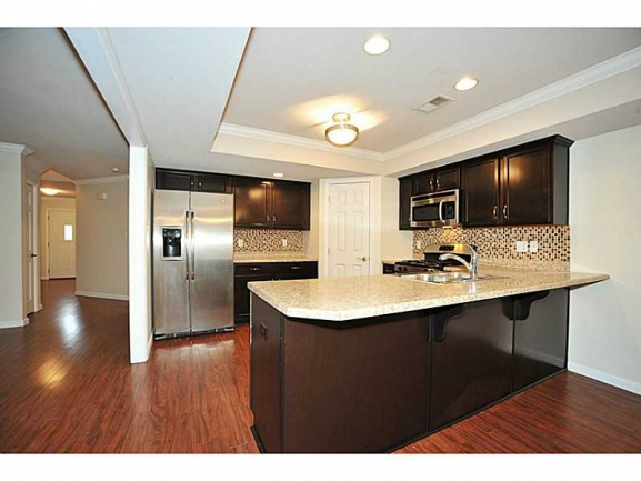 Large Kitchens with Upscale Appliances