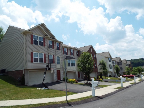 You will also find Townhouses in Summit Ridge