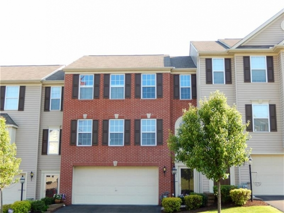 Lovely Townhouse Community Nestled in a Wooded Area of Baldwin Boro