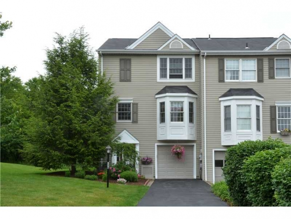 Westbury ~ A Lovely Townhouse Community Close to the Pittsburgh International Airport